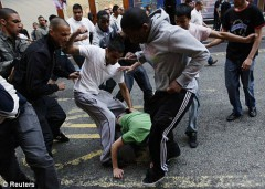 racailles,racisme anti-blanc,agressions,arabes,violence inter-ethnique