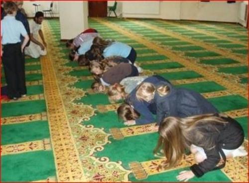 écoliers,mosquées,islamisation,soumission,école