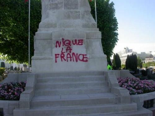 monument_profane.jpg